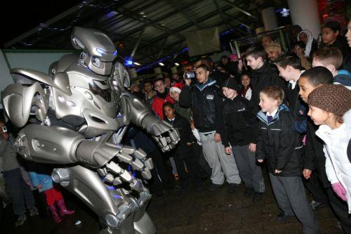Титан робот