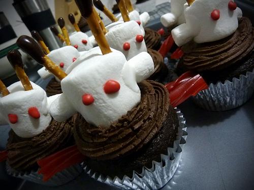 Роботы-пирожные атакуют!