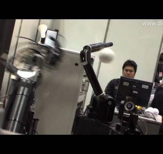 Стендовая модель роботов играющих в бейсбол