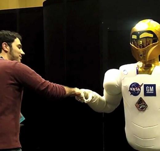 Robonaut 2 демонстрирует улучшенную работу рук на IEEE 2012