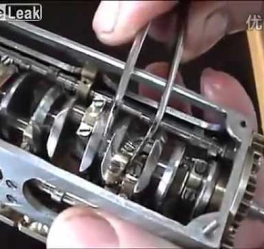 Мини двигатель V12