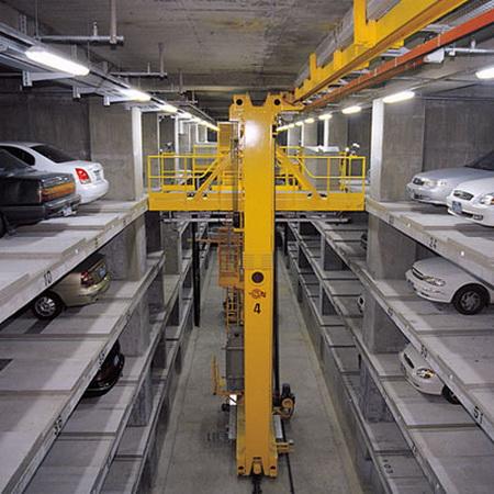 1290164044_moskov-robot-car-park