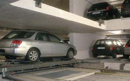 1290164096_piter-robot-car-park-2