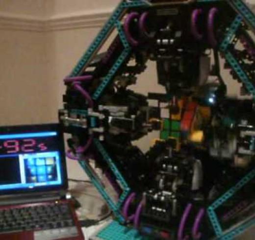 Робот Cubestormer, собирает кубик Рубика за 12 секунд