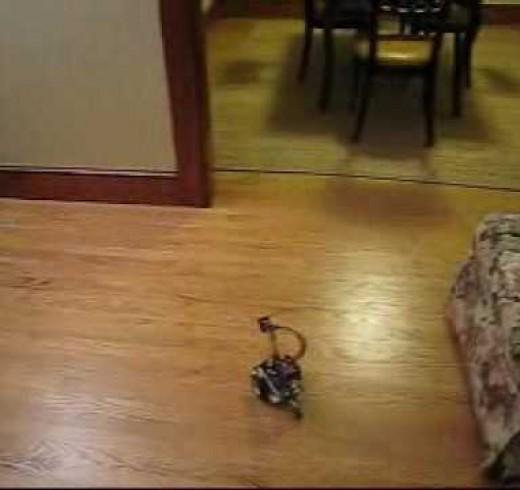 Робот-скаут Charlie