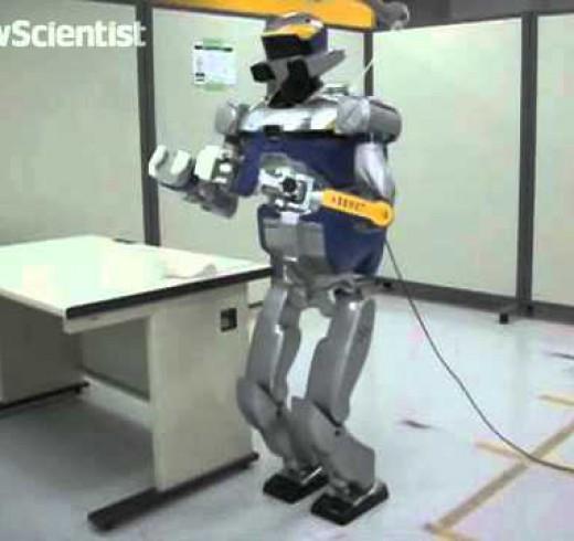 Робот учится передвигаться как пенсионер
